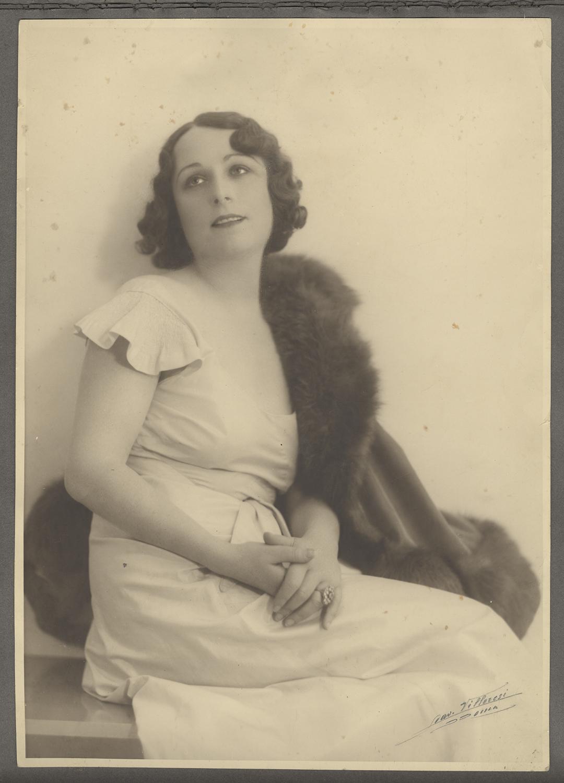 Mimi Aylmer