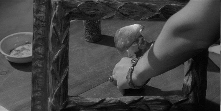 Fig 4. Picture frame in Michelangelo Antonioni, L'Eclisse, 1962, film still